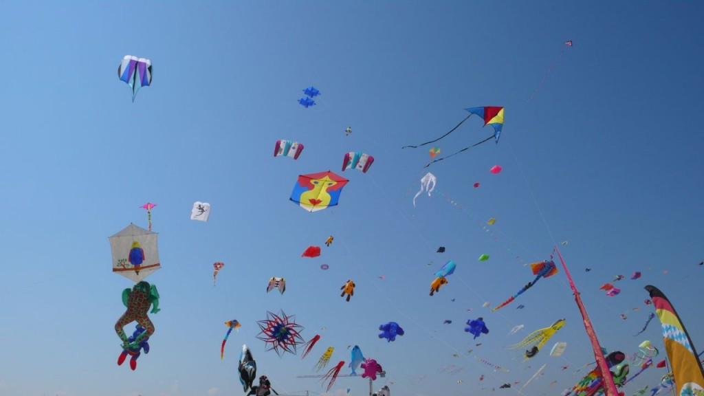 Family Fun Event Guide Dublin Sky_full_of_kites,_Cervia_2007